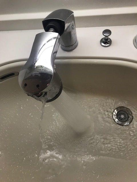 切替ボタンから水漏れ!